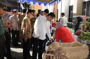 Walikota; PNS Jangan Beli Produk Bersubsidi Saja