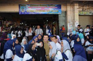 3200 Mahasiswa IAIN Belanja di Pasar Tradisional