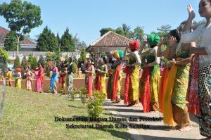 450  Penari Gambyong Meriahkan Gebyar Seni SMPN 8 Salatiga