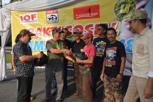 Komunitas Jeep Santuni Tukang Becak dan Sais Dokar