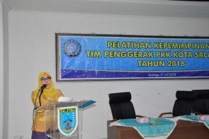 Ibu Walikota Berikan Materi Kepemimpinan Pengurus PKK