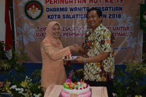 Peran Dharma Wanita Sangat Penting Dalam Pembangunan
