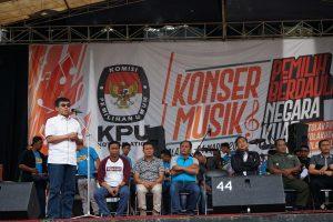 Wawali Buka Konser Musik Pemilih Berdaulat