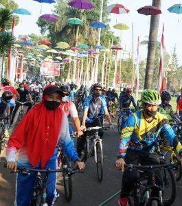 Ratusan ASN Bersepeda, Dukung Kegiatan Satu Hari Tanpa Mobil